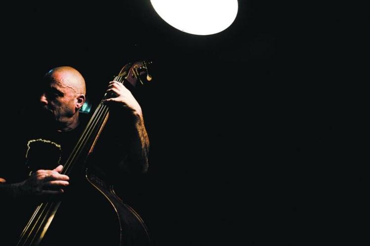 Hoje o jazz soa às ruas do Intendente