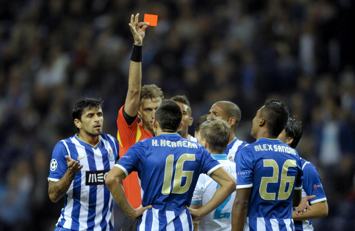 Herrera foi expulso logo aos seis minutos