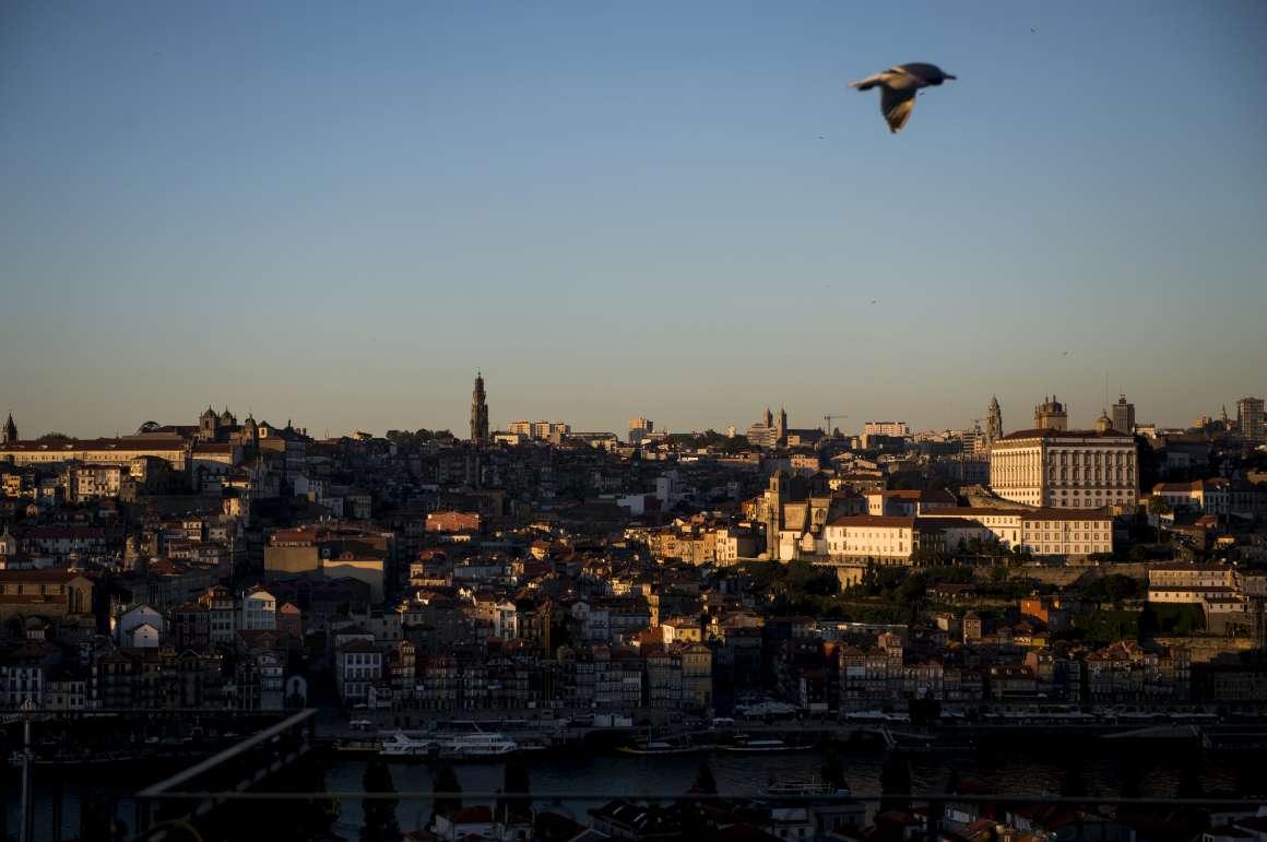 Freguesias do Porto sem dinheiro para investir - Público.pt